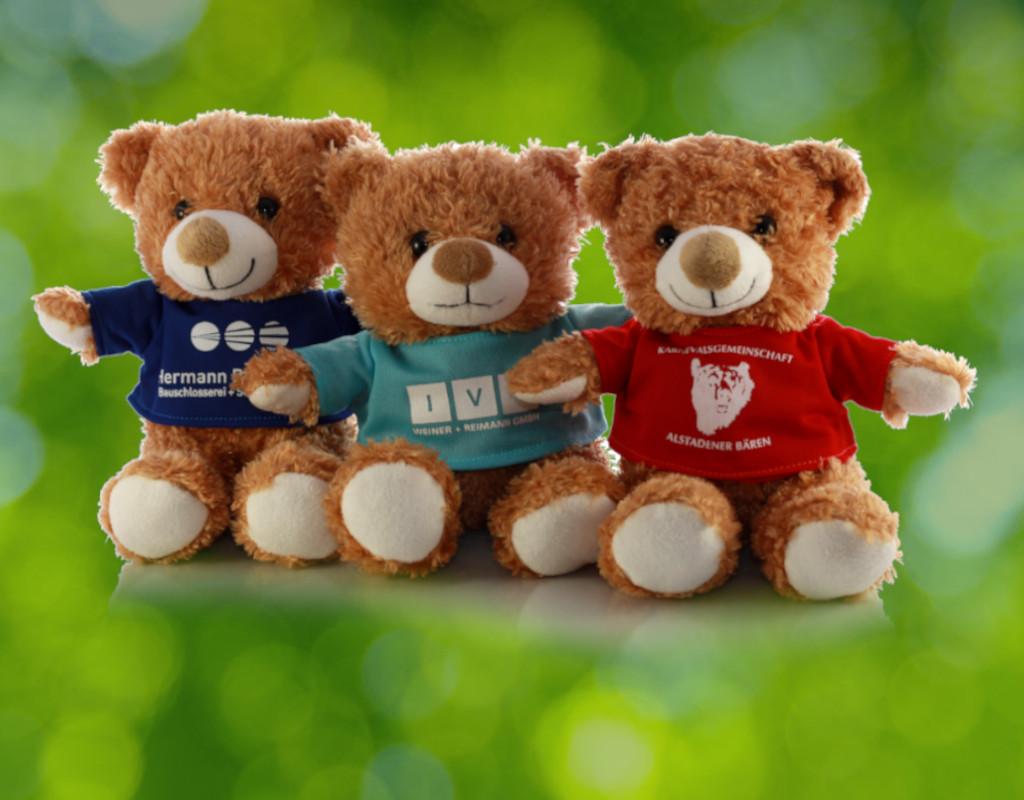 Branding - Teddys mit bedruckten T-Shirts