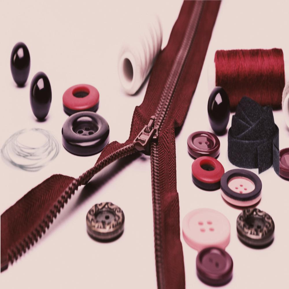 Ausstattung Reißverschluss Garn Klettband Knöpfe Draht